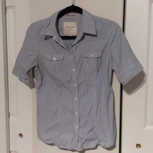American Eagle Short Sleeve Button Down